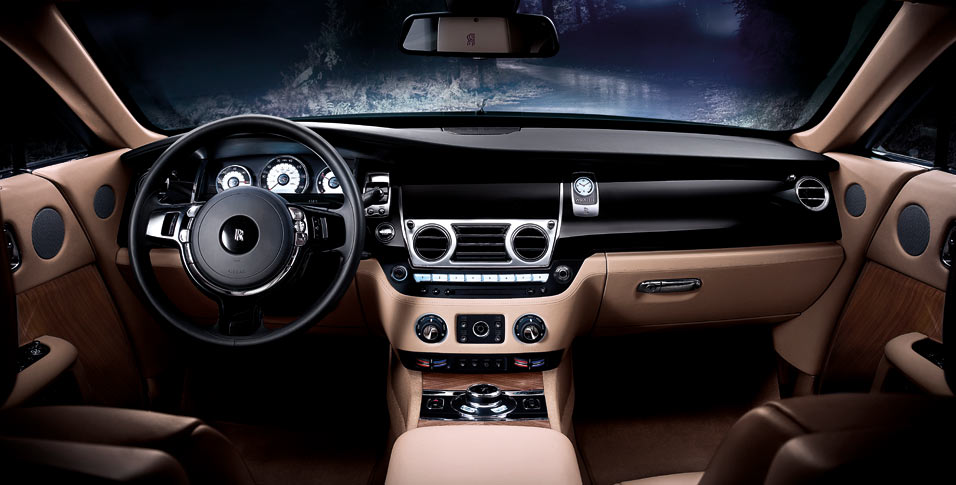 rolls royce wraith int 1 downshift autos. Black Bedroom Furniture Sets. Home Design Ideas