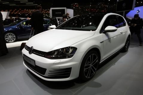 Volkswagen Golf GTD Front Quarter