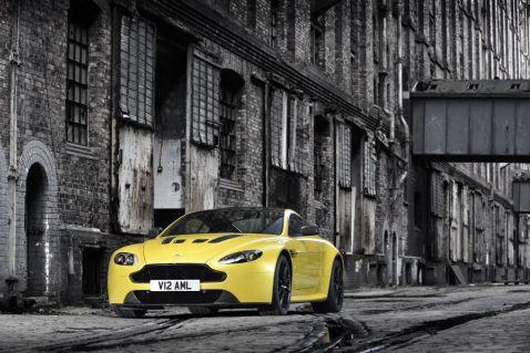 Aston Martin V12 Vantage S Front 2